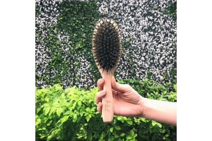 PANDORA'S BEAUTY The Beech Wood Cushion Brush (L)